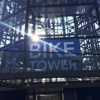 Bike Tower pod drobnohledem